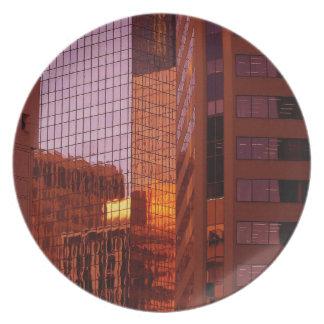 Große Stadt-Sonnenuntergang-Platte Essteller
