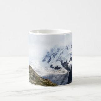 Großer Gletscher in den Schweizer Alpen Kaffeetasse