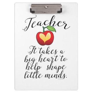 Großes Herz, zum des Form-Kleingeister-Lehrers zu Klemmbrett