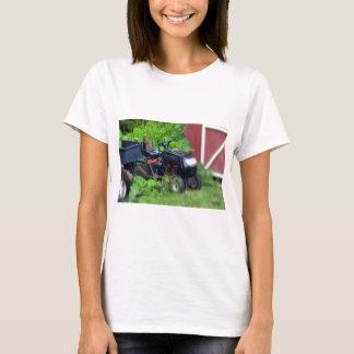 Groundhog auf Rasenmäher T-Shirt