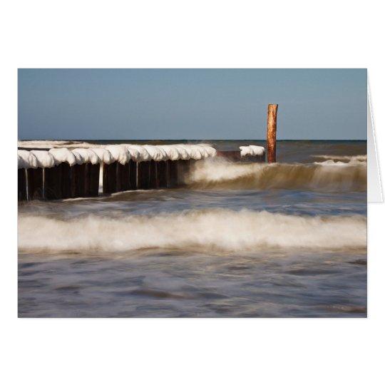 Groynes im Winter auf Ufer der Ostsee Grußkarte