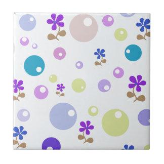 Grün-blaue rosa lila Retro Blumen u. Blasen-Punkte Keramikkachel