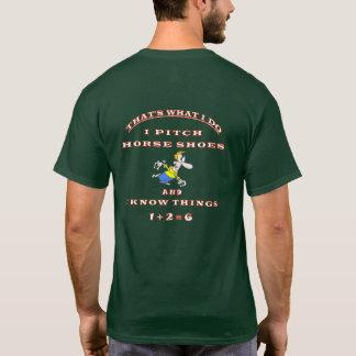 Grundlegendes dunkles Hufeisennicken-T-Stück T-Shirt
