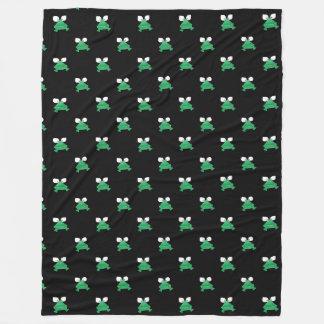 Grüne Frösche auf schwarzer Fleece-Decke Fleecedecke