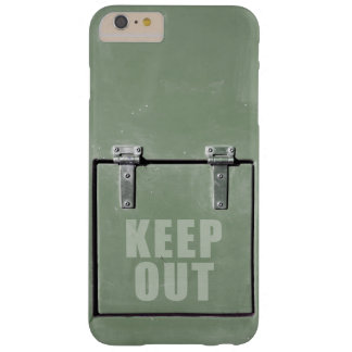 Grüne Metalltür, behalten heraus Barely There iPhone 6 Plus Hülle