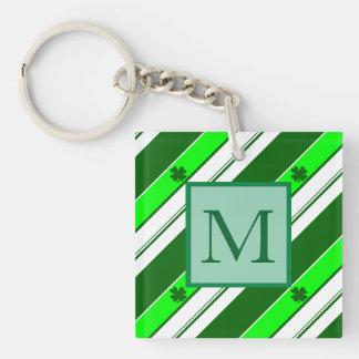 Grüne Streifen und glückliche Kleeblätter Schlüsselanhänger