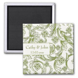Grüne und weiße Blumenfrühlings-Hochzeit Quadratischer Magnet