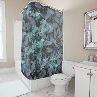 Grüne und weiße Tinte auf schwarzem Hintergrund Duschvorhang