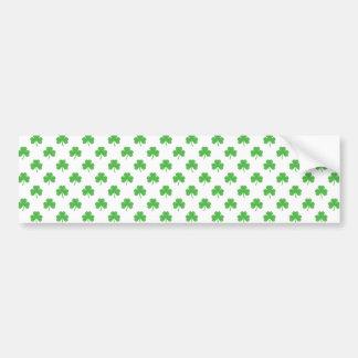 Grüner Herz-Förmiger Klee auf weißem St Patrick Autoaufkleber