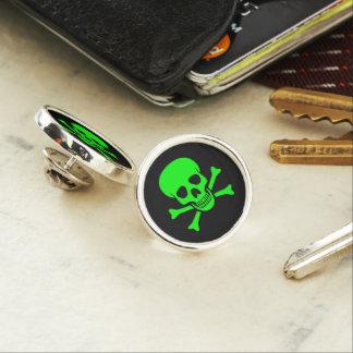 Grüner Totenkopf mit gekreuzter Knochen Anstecknadel