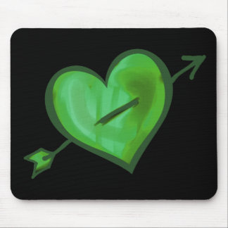 Grünes Herz mit Pfeil Mauspads