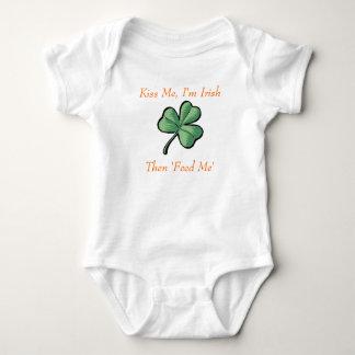 grünes Kleeblatt, küssen mich, ich sind irisch, Baby Strampler