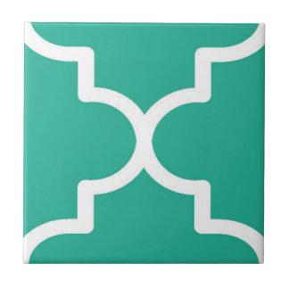 Grünes Quatrefoil Kleine Quadratische Fliese