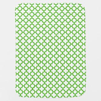 Grünes Quatrefoil Muster Kelly Kinderwagendecke