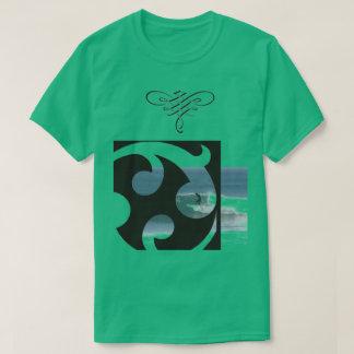 Grünes surfendes T-Shirt für Männer