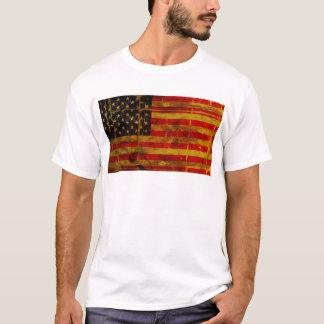 Grunge beunruhigter amerikanische Flaggen-T - T-Shirt