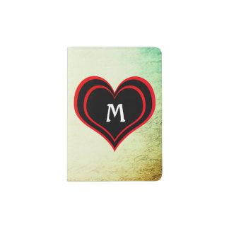 Grunge-Vintages Papier mit Herzen und Monogramm Passhülle