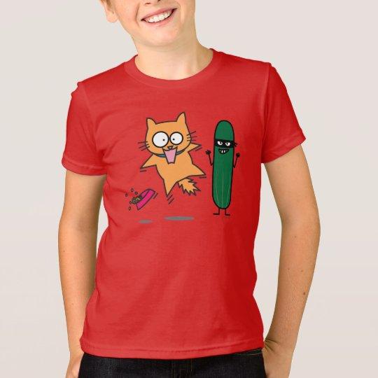 Gurke, die Katzen - Katze gegen Gurken-Schrecken T-Shirt