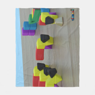 Hadali Spielwaren - Eichhörnchen und die Fleecedecke