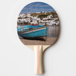 Hafen- und Hafenbereich mit griechischen Tischtennis Schläger