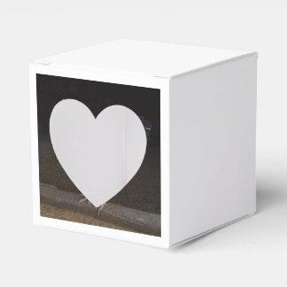 Hahn-Kasten Geschenkkarton
