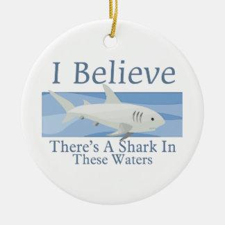 Haifisch in diesem Wasser Keramik Ornament