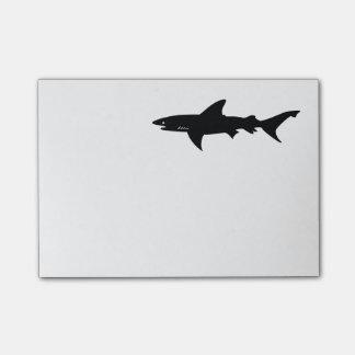 Haifisch passen vom Haifisch-Zeichnen auf Post-it Haftnotiz