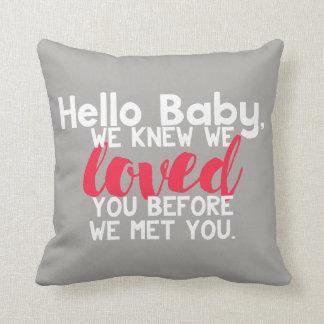 Hallo Baby-personalisiertes Kissen