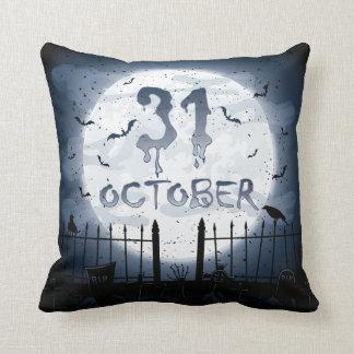 Halloween-Friedhofsszenen am 31. Oktober Kissen