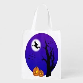 Halloween-Hexe-Fliegen durch die Bäume Wiederverwendbare Einkaufstasche