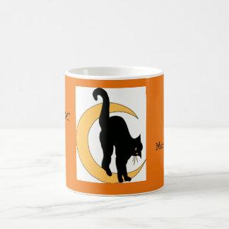 Halloween-Mond und Katzen-orange schwarzes Gold Kaffeetasse