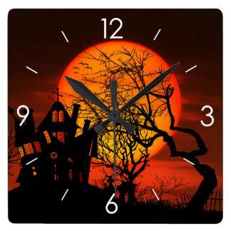 Halloween-Mondschein-Spuk Haus Quadratische Wanduhr