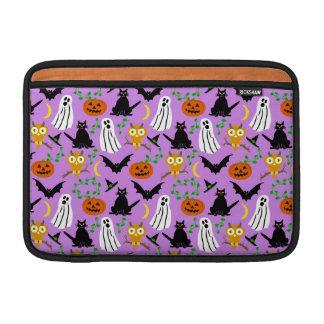 Halloween-Thema-Collagen-Wurf-Muster-lila MacBook Air Sleeve