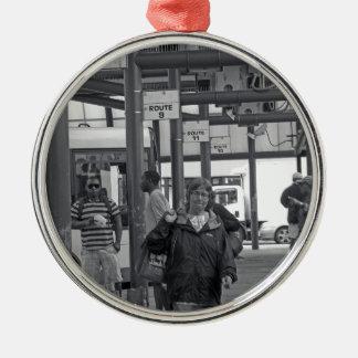 Hamilton-Busbahnhof 02 Rundes Silberfarbenes Ornament