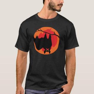 Hängendes Schläger-T-Shirt T-Shirt