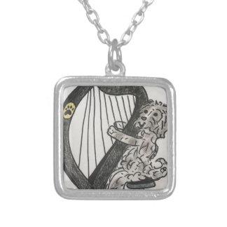 Harfenwelpe Halskette Mit Quadratischem Anhänger