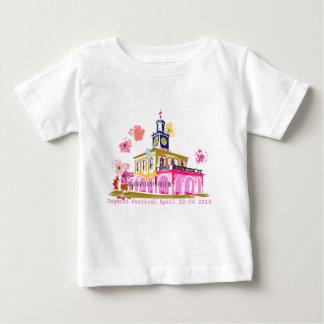 Hartriegel-Festival 2016 im Stadtzentrum gelegenes Baby T-shirt