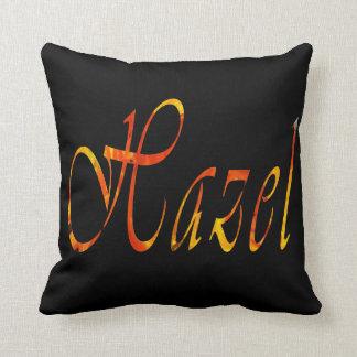 Haselnuss, Mädchen-Name, Logo, schwarzes Kissen