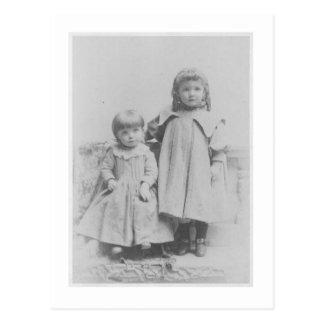 Haselnuss und Maggie Postkarte