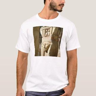 Hathor-köpfige Spalte, von der Kapelle von T-Shirt