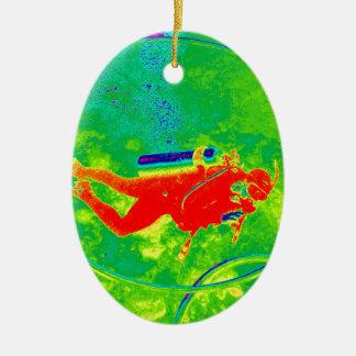 Hawaii-Sporttaucher Ovales Keramik Ornament