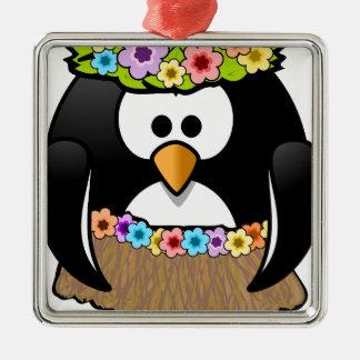 Hawaiischer Penguin mit Blumen und Grasrock Quadratisches Silberfarbenes Ornament