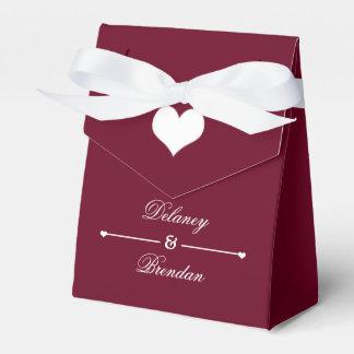 Heartline (Burgunder) personalisierte Hochzeit Geschenkkarton