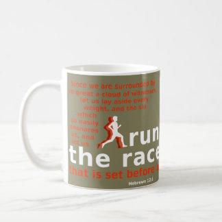 Hebräer-12:1 lassen die Rennen-Tasse laufen Kaffeetasse
