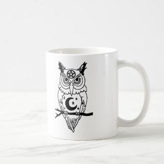 Heidnische Eule mit Pentagramm und Mond Kaffeetasse