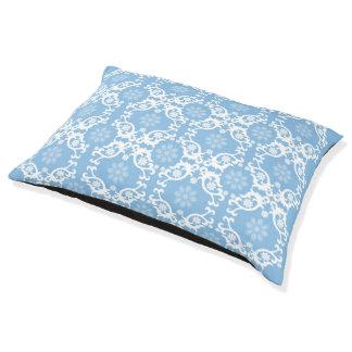 Hellblaue weiße Spitze-Blume Haustierbett