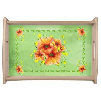 Helle Aprikosen-orange und gelbe Blumen Serviertabletts
