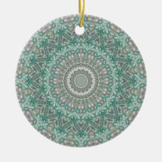 "Helle aquamarine u. graue ""Jahreszeiten: Winter-"" Rundes Keramik Ornament"