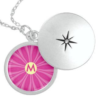 Heller rosa Sonnendurchbruch oder Blume mit Medaillon