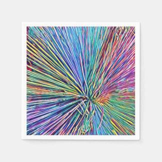 Heller und flippiger Regenbogen färbt Papierservietten
